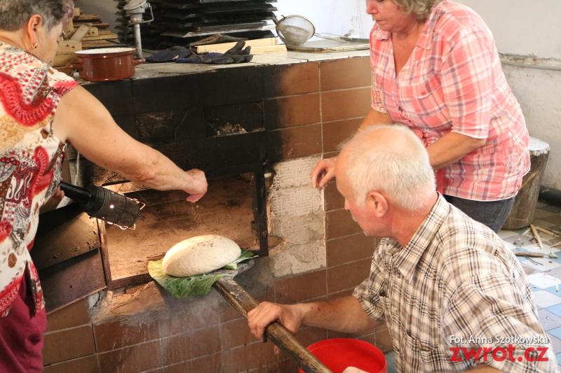 V Gutech už mají dožínkový chléb