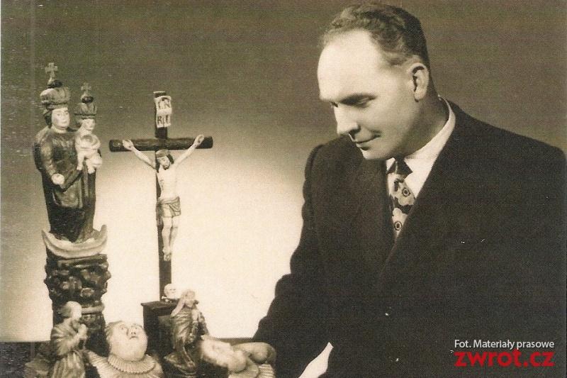 """Výstava """"Teofil Hrabiec – kostelník, sběratel a znalec umění"""""""