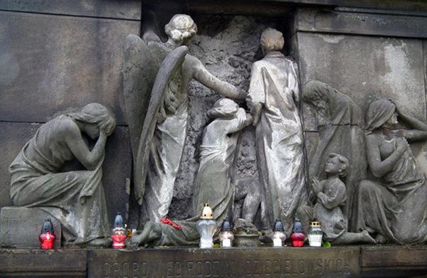 Svíce ze Záolší rozsvítily Kresy