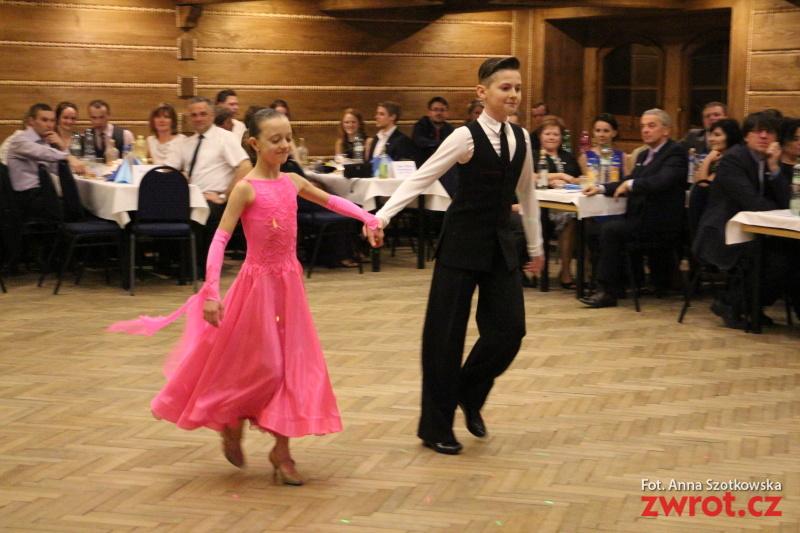 Na školním plese v Mostech