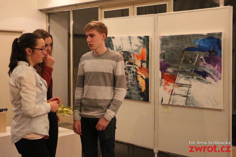 Nekonečno jako námět výstavy studentů polského gymnázia