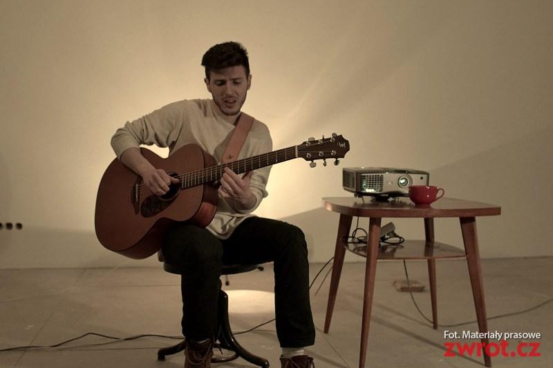 Podívej se na nový videoklip Adama Bubika