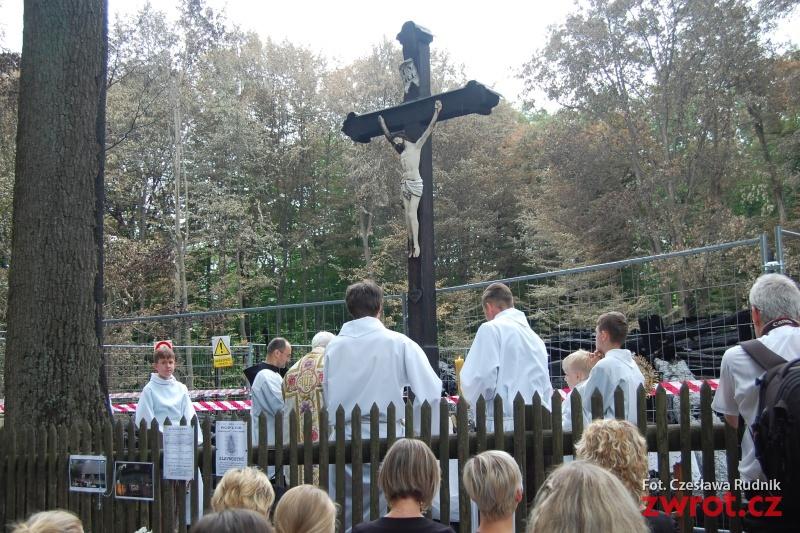 Setkali se u kříže