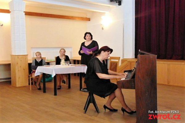 Literární kavárnička shudbou Chopina