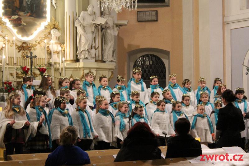 Zazpívaly školní sbory