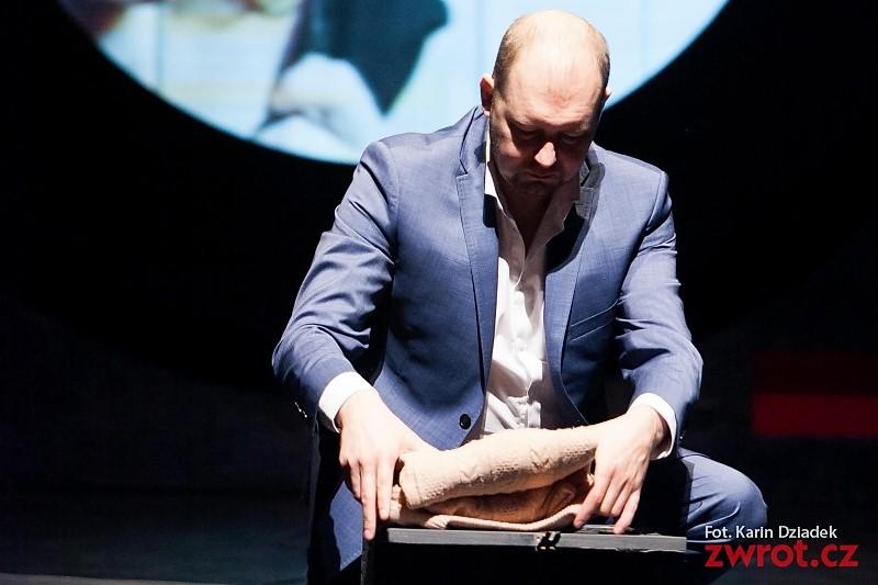 Dariusz Waraksa s cenou