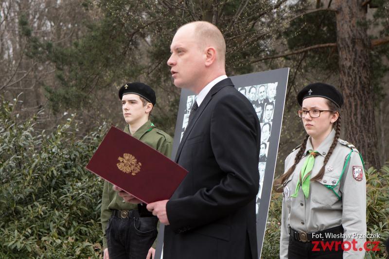 Uctili památku oběti Katyně a Smolenska