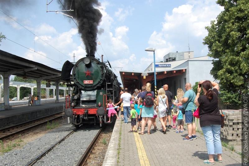 Retro vlakem po staré trati