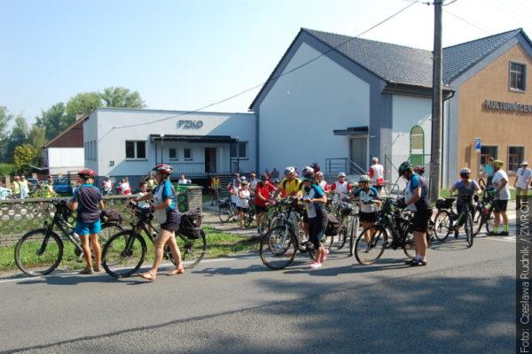 Cyklisté vzdali poctu slezským povstalcům