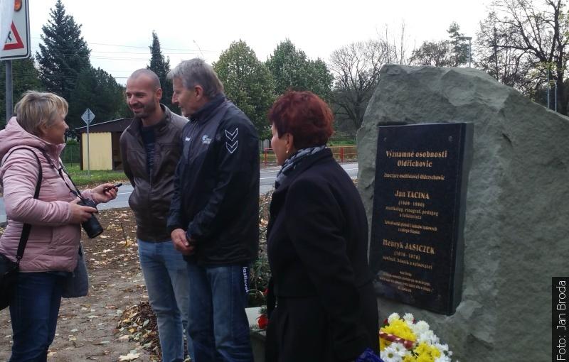 Byl odhalen památník Jasiczka a Taciny
