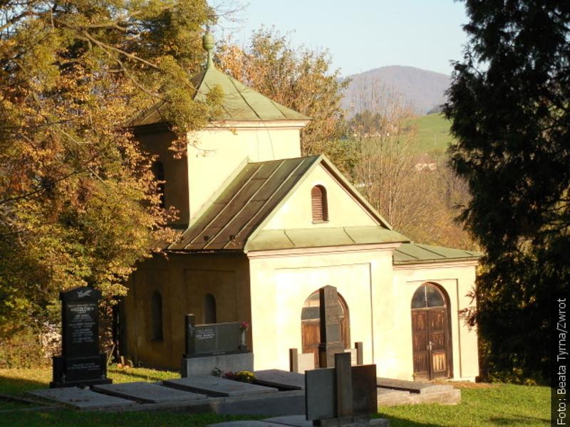 Procházky se Zwrotem: Evangelický hřbitov v Líštné