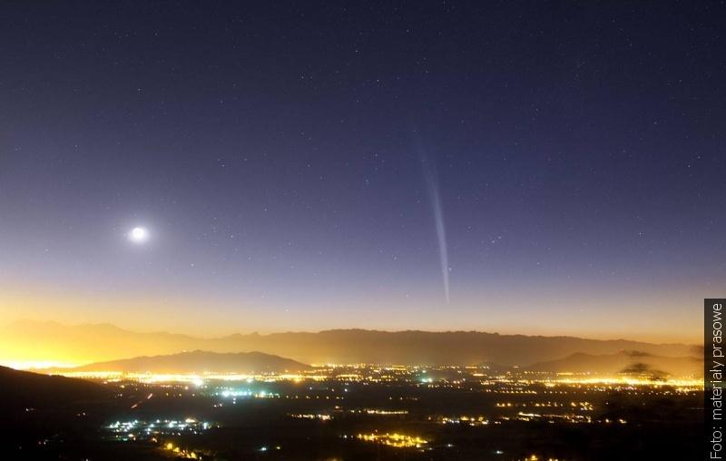 """""""Zwrot"""" astronomicky: Vánoční kometa a první hvězda"""