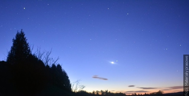 """""""Zwrot"""" astronomicky: Noční obloze šéfuje Venuše"""