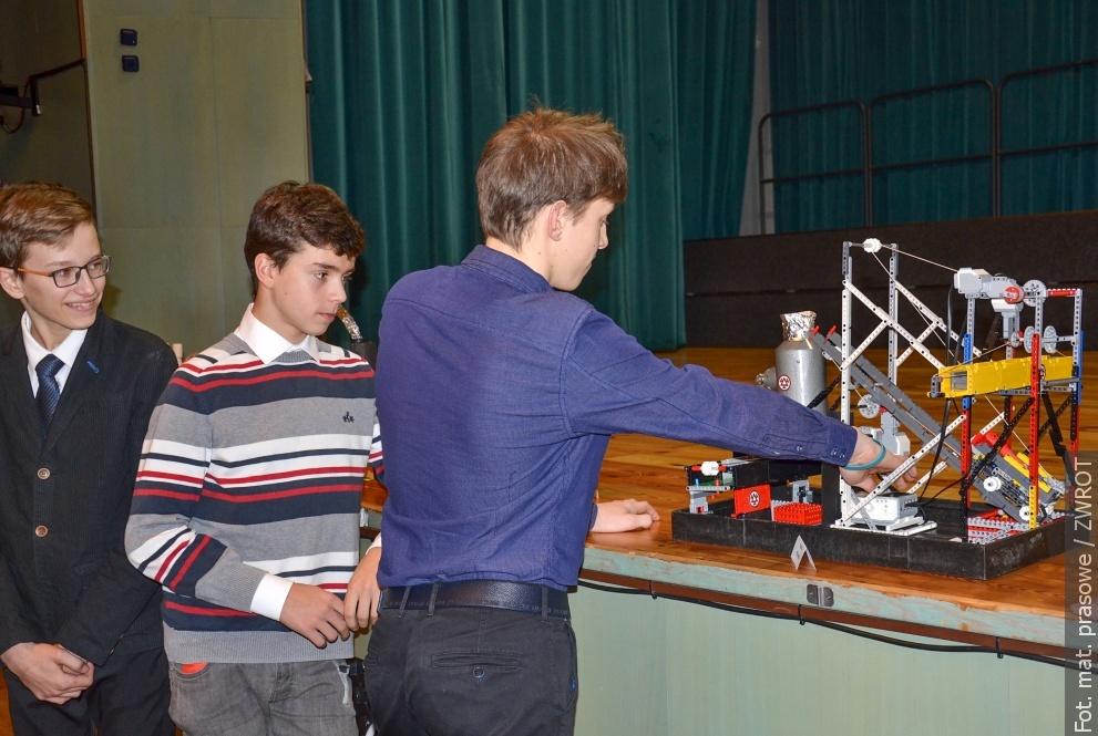 Žáci z Bystřice postavili vysokou pec a vyhráli!