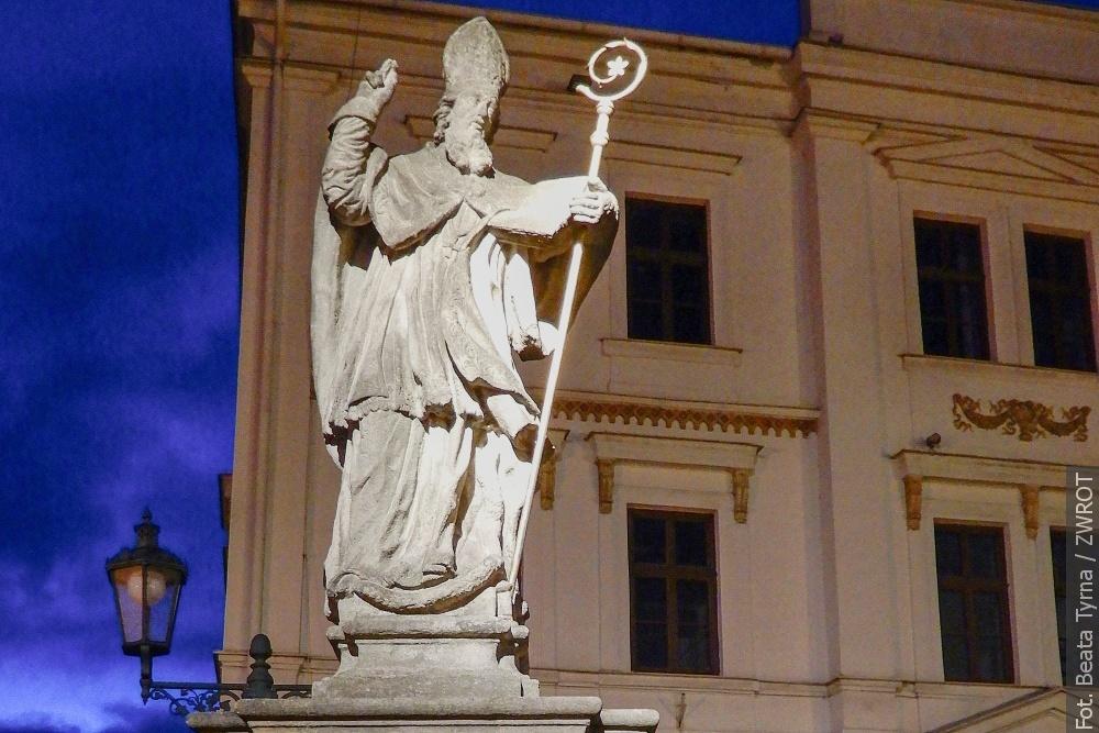 Procházky se Zwrotem: Socha svatého. Patricka ve Fryštátu