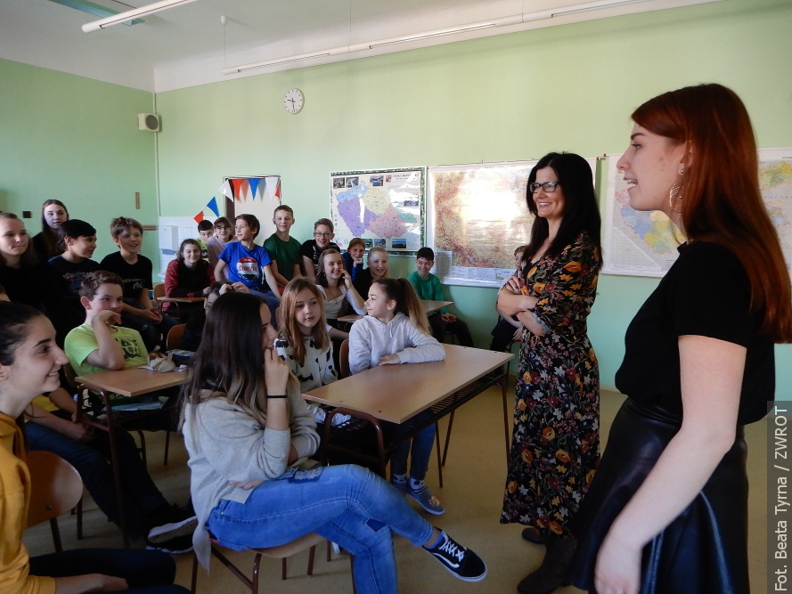 Zahraniční studenti navštívili českotěšínskou základní školu