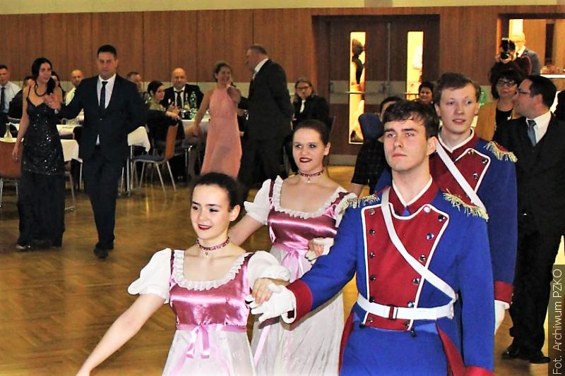 Z redakční pošty: Pekelně rajský ples