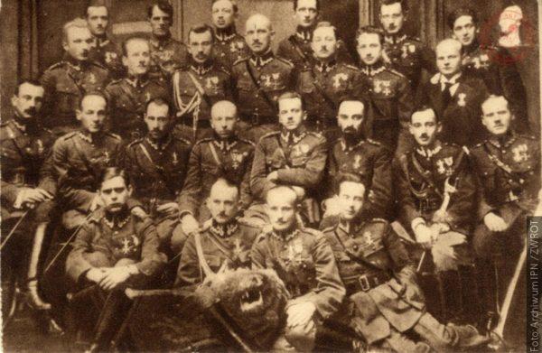 IPN zve do soutěže Neporažení 1918. Oběti totalitarismů