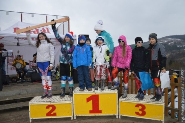 Beskydská lyže. Držitelem putovního poháru se stala jablunkovská škola