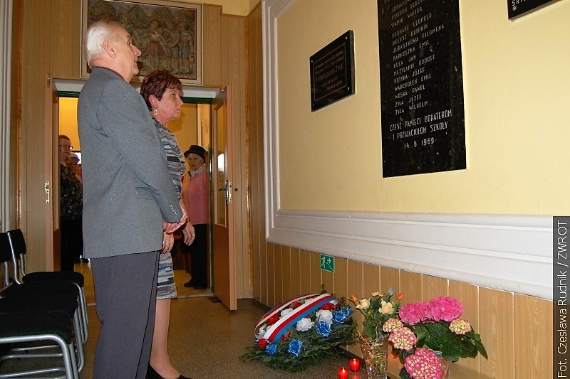 U pamětní desky v Orlové-Lutyni uctili památku obětí 2. světové války