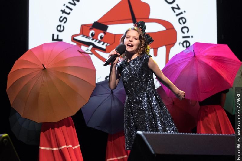 Finále 16. Festivalu dětské písně (foto)