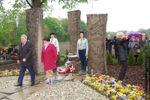 Ve Skřečoni vzdali úctu obětem Polenlagru