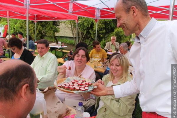Bílo-červená zahradní slavnost v Těrlicku
