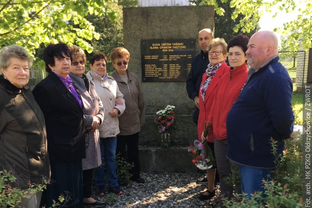 Z redakční pošty: V Oldřichovicích uctili památku obětí 2. světové války