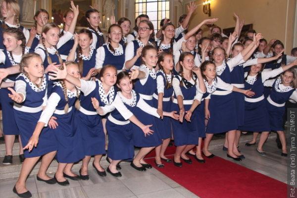 Sbory Trallala, Trallalinki i Trallalineczki pozvaly na poslední koncert v tomto školním roce