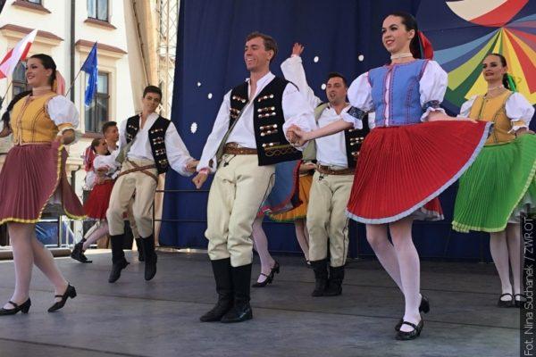 Olza tančila na náměstí v Rzeszově