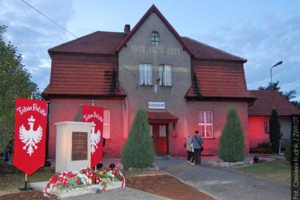 Sté výročí vypuknutí prvního Slezského povstání si připomněli v Godowu rekonstrukcí bitvy