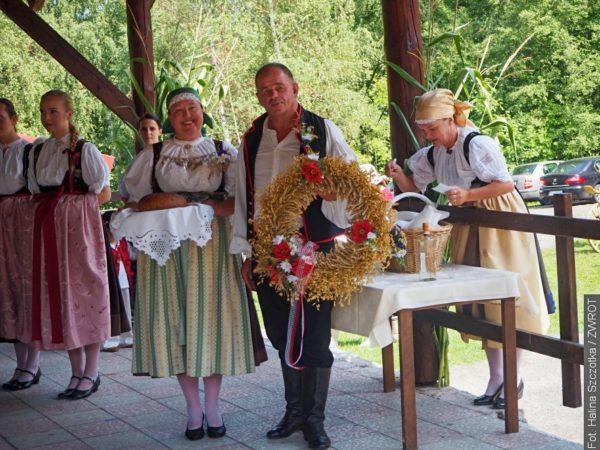 Starostka Ropice s manželem byli hospodáři dožínek  v Gutech (fotografie)