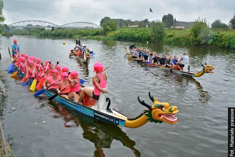 Závody dračích lodí ovládnou řeku Odru v Bohumíně