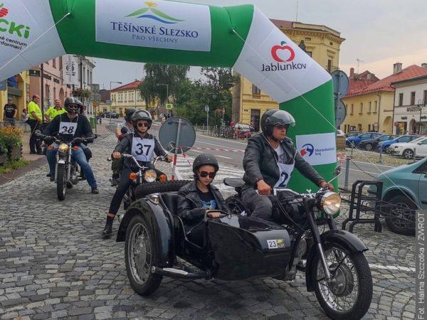 Krásné motorky přijely na náměstí v Jablunkově