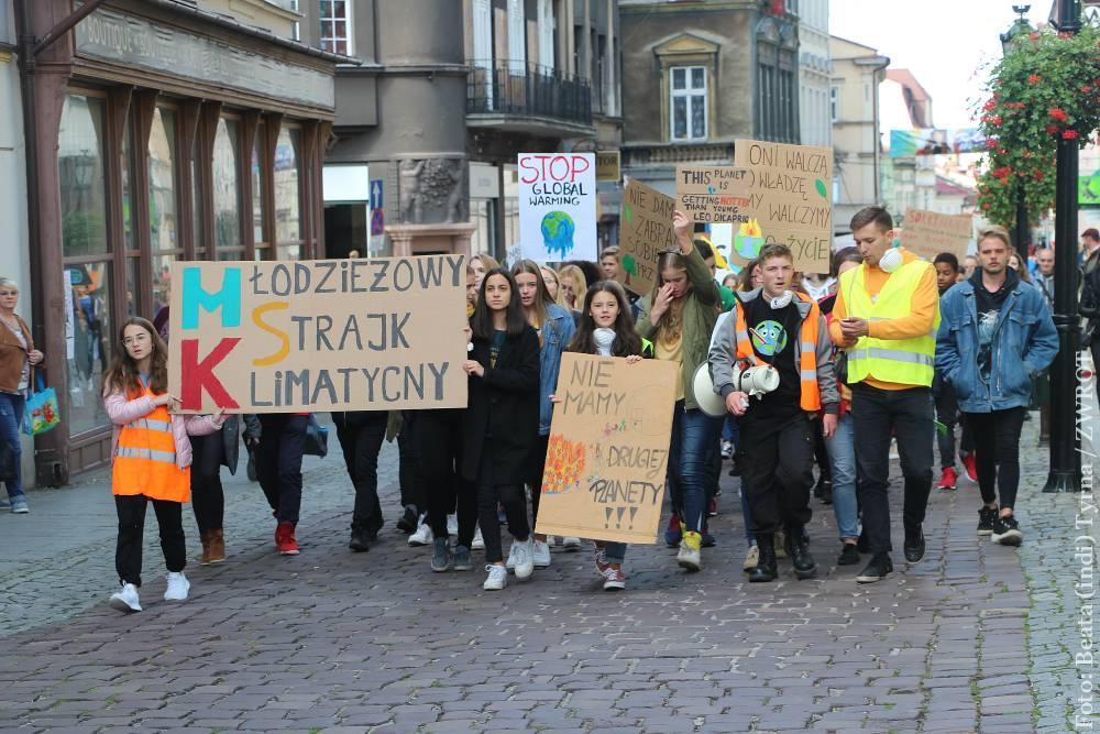 Mladí lidé protestovali proti změně klimatu také v Cieszyně