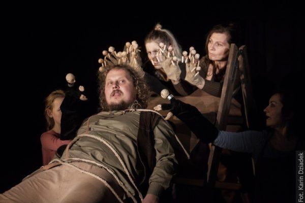 Tvůrci představení chtějí uvést Gulliverova dobrodružství poněkud satiricky