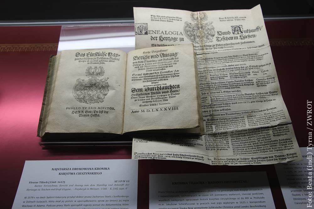 Na výstavě v Książnicy Cieszyńskiej můžete vidět skutečně vzácné knihy