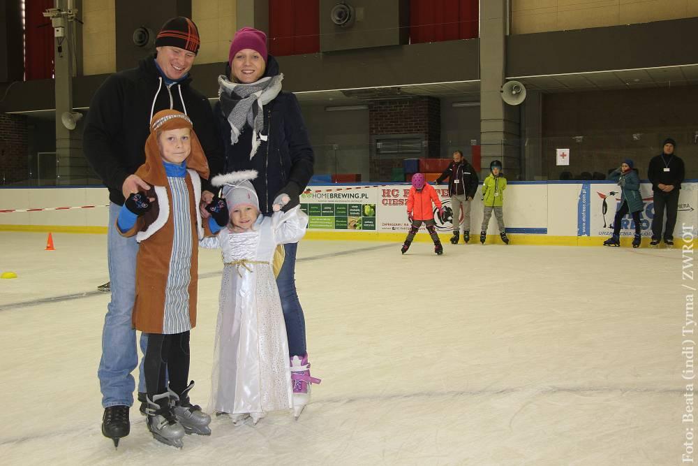 Holy Wins – Ples Všech svatých na ledě