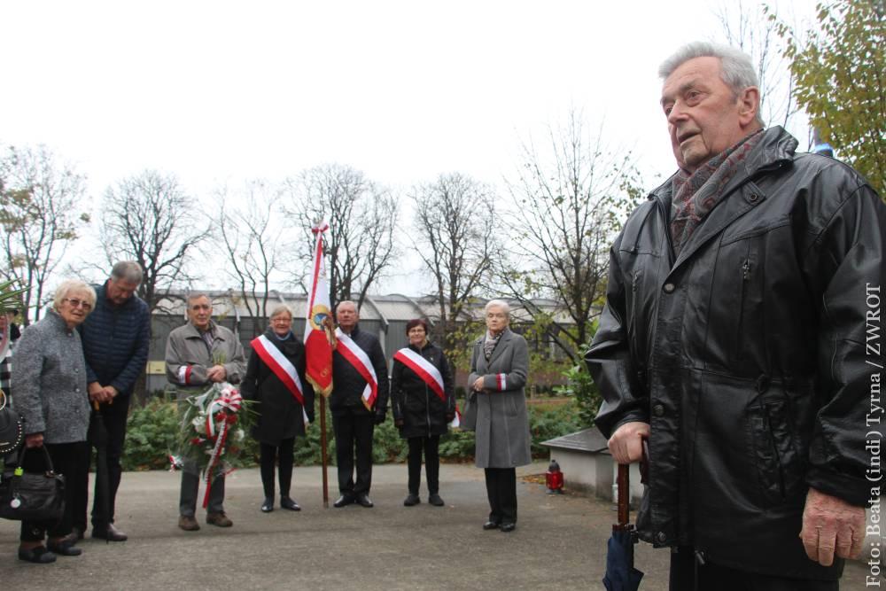 Rodzina Katyńska se setkala u pomníku na Kontešinci