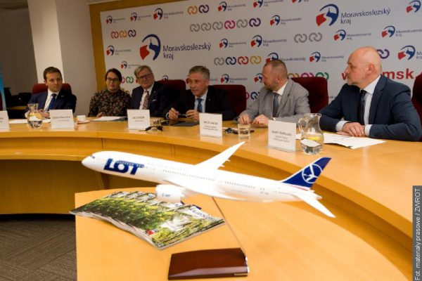 Ostravu s Varšavou propojí pravidelná letecká linka