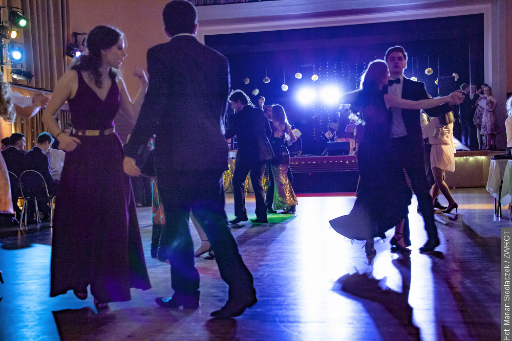 Tradiční ples studentů tentokrát v Třinci