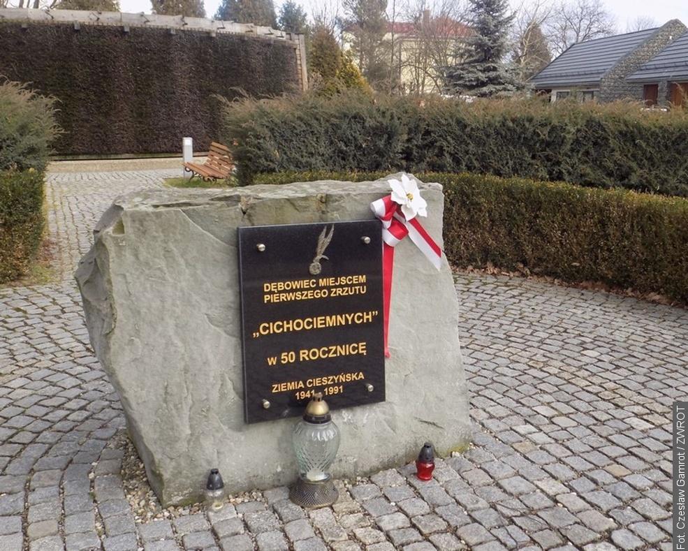 V obci Dębowiec si připomínají výročí prvního seskoku Cichociemnych