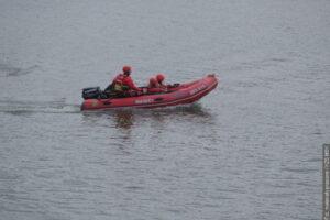Další vodní výcvik ostravských profesionálních hasičů i s mořským bobem