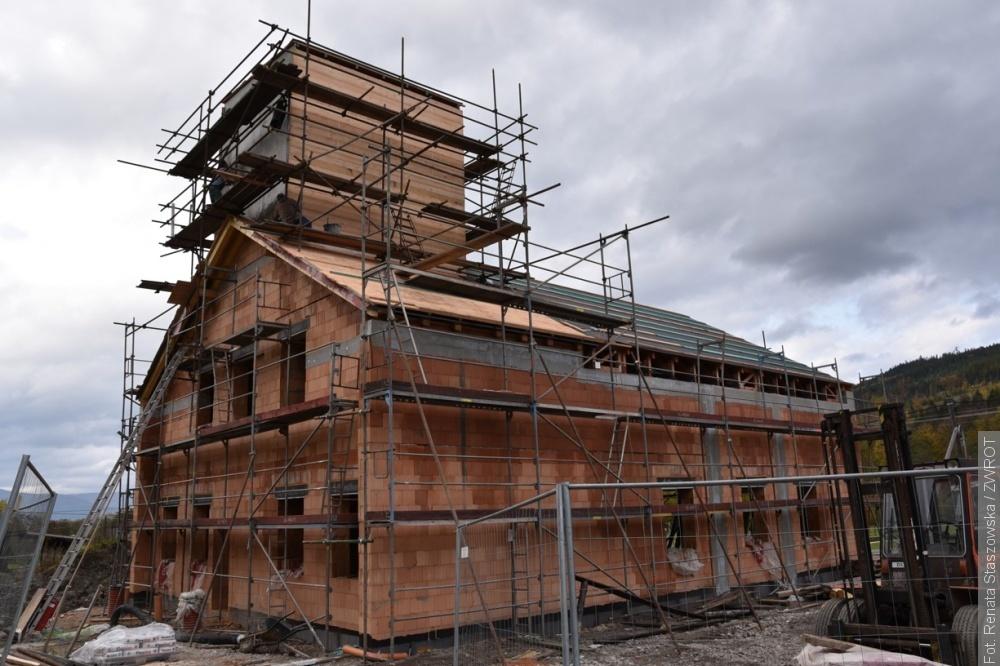 Stavba hasičské zbrojnice v Bukovci jde podle plánu