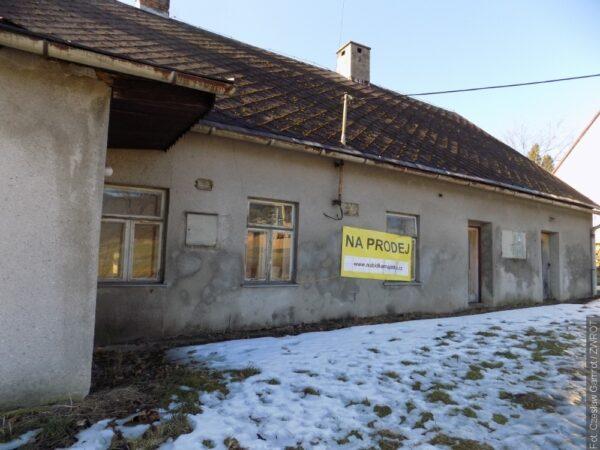 Aukce bývalého dvoru ve Vendryni byla zrušena kvůli koronaviru