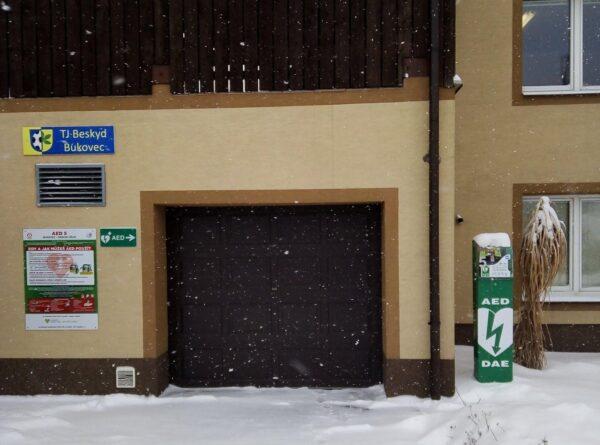 Defibrilátor mají nově také v Bukovci