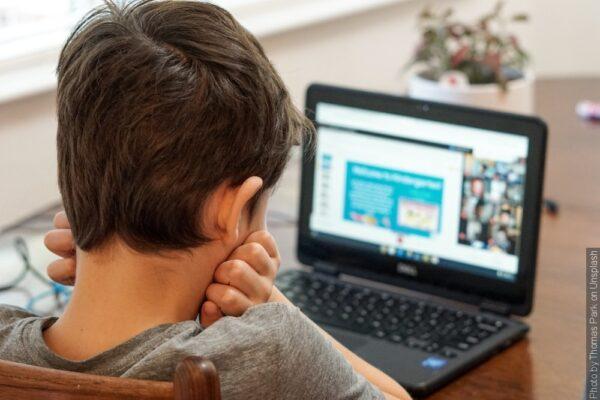 Kurzy pro deváťáky budou letos online