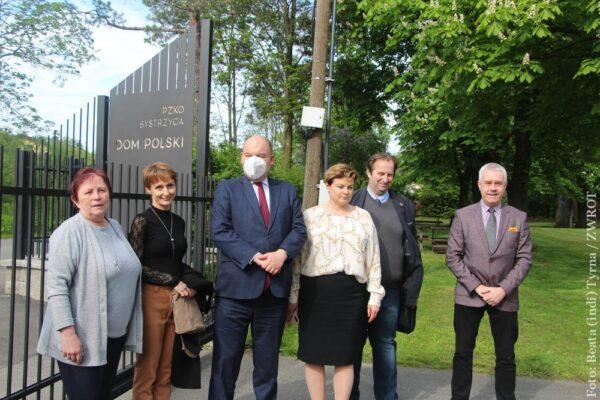Ministr Jan Dziedziczak navštívil sídla PZKO