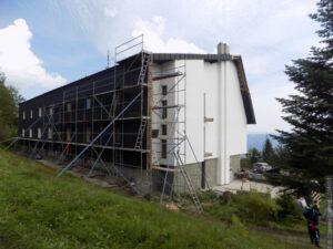 Rekonstrukce turistické chaty na Kozubové už brzy bude hotová