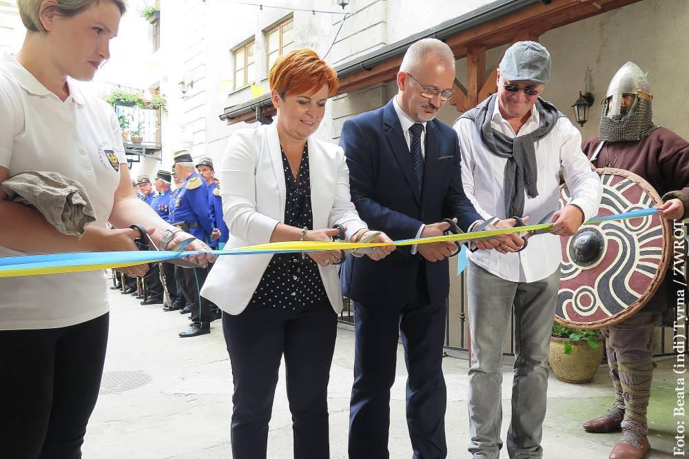 Výstava věnovaná těšínským rytířským rodům je k vidění v Pivovaru Cieszyn do neděle.